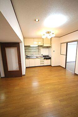 中古マンション-橿原市栄和町 2012年に床フローリングとクロスを貼替されております。是非現地にてご確認下さい。(2021年4月撮影)