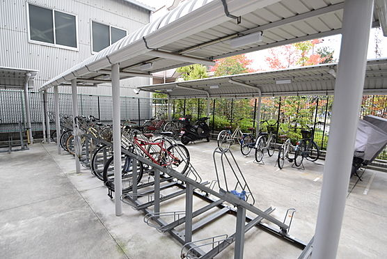 マンション(建物一部)-大阪市淀川区十八条1丁目 キレイな自転車・バイク置場
