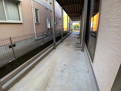 中古一戸建て-岡崎市舳越町字東沖 こちらにも布団等を干していただけるスペースがございます。