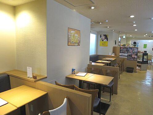 店舗(建物一部)-熱海市田原本町 客席ホールです。現在は喫茶店を営んでいます。