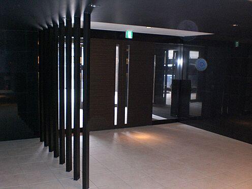 マンション(建物一部)-大阪市阿倍野区天王寺町南3丁目 シックで落ち着きのあるエントランス。