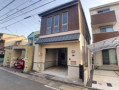 中古一戸建て-名古屋市中村区宮塚町 外壁が周囲の街並みと青空に生えるお洒落な仕上がり!