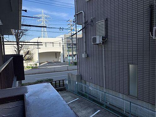 中古マンション-名古屋市名東区名東本通5丁目 バルコニーからの眺望です。一目が気にならなく安心です。