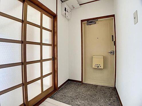 中古マンション-豊田市栄町6丁目 玄関になります。帰ってきて「ホッ」と安らげるようなお家にしたいですね◎