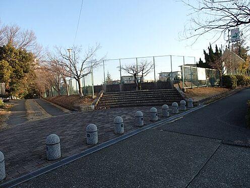 中古マンション-名古屋市緑区鳴子町2丁目 鳴子中央公園 200m