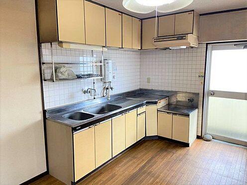 中古マンション-名古屋市千種区星ケ丘2丁目 キッチンスペース。水回りのリフォームもぜひご相談ください。