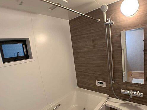 戸建賃貸-名古屋市東区百人町 広々とした浴槽で一日の疲れを癒します