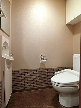 中古マンション-横浜市神奈川区栄町 手洗い、吊戸棚がありスマートです