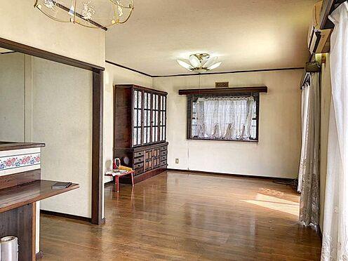中古一戸建て-刈谷市築地町2丁目 LDは広々とした約13帖。日当たりが良く心地いい暮らしを提供します。
