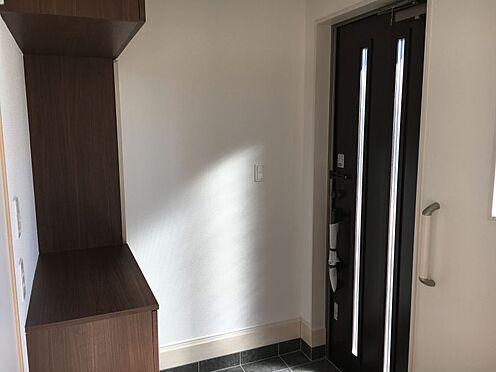 新築一戸建て-みよし市明知町一木 玄関は吹き抜けなので、明るく開放的な空間になります♪(こちらは施工事例です)