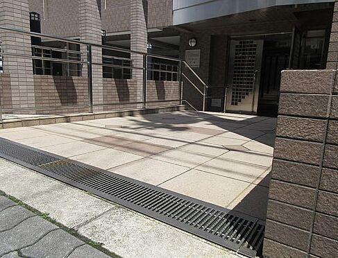 マンション(建物一部)-大阪市北区天満4丁目 清潔感のあるアプローチ