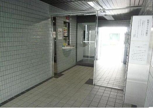 マンション(建物一部)-京都市伏見区深草泓ノ壺町 キレイに清掃されたエントランス。