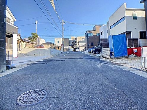 新築一戸建て-名古屋市天白区野並1丁目 幅員約8mの前面道路♪お車のすれ違いも楽々