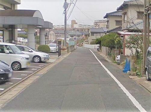 マンション(建物一部)-北九州市小倉北区高峰町 前面道路写真。