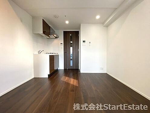 中古マンション-大阪市西区南堀江3丁目 こちらの居間で趣味の時間をお楽しみください