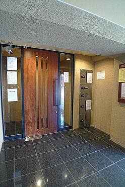 マンション(建物一部)-品川区平塚3丁目 共用部 宅配ボックスとオートロックドア