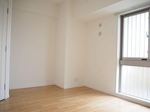 中古マンション-日野市旭が丘3丁目 洋室約6.5帖、天井・壁クロス新規張替、フローリング新規貼替、巾木交換