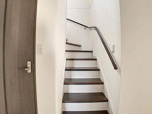 中古一戸建て-一宮市伝法寺1丁目 お子様やお年寄りでも安心な手すり付きの階段です