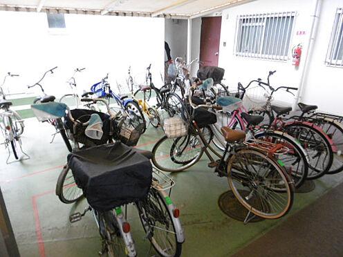 マンション(建物一部)-神戸市東灘区本山南町4丁目 嬉しい屋根付きの駐輪場