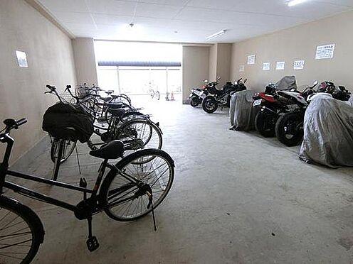 マンション(建物一部)-大阪市中央区島之内1丁目 駐輪場とバイク置き場もあります。
