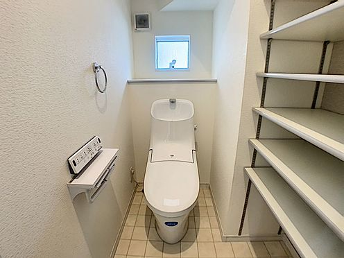 戸建賃貸-西尾市平坂町奥天神 1、2階とあるので重なる朝も安心です。