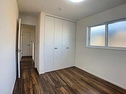 新築一戸建て-西尾市住崎2丁目 各居室に収納完備、お部屋もスッキリ片付きます。
