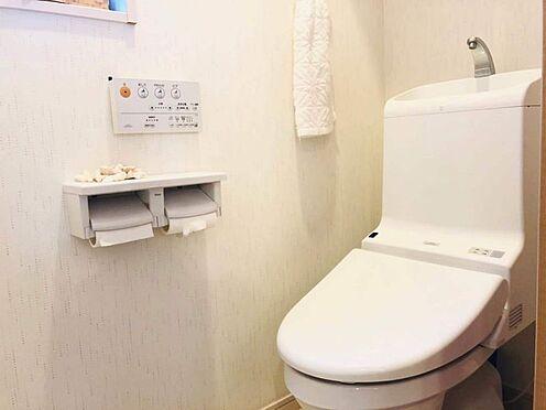 中古一戸建て-名古屋市南区豊1丁目 トイレには快適な温水洗浄便座付き。