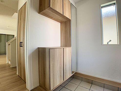 新築一戸建て-名古屋市守山区瀬古1丁目 明るい玄関です。