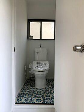 戸建賃貸-横須賀市坂本町2丁目 トイレ交換済みで温水シャワー付きです ※リフォーム完了時の画像です