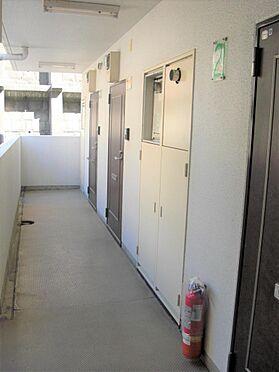 マンション(建物一部)-横浜市鶴見区岸谷3丁目 廊下です。