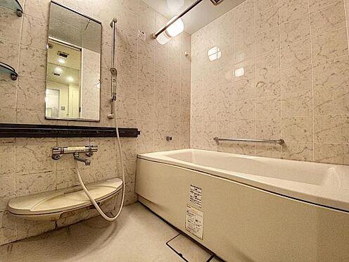 区分マンション-福岡市城南区別府4丁目 手すり付きの浴室です♪