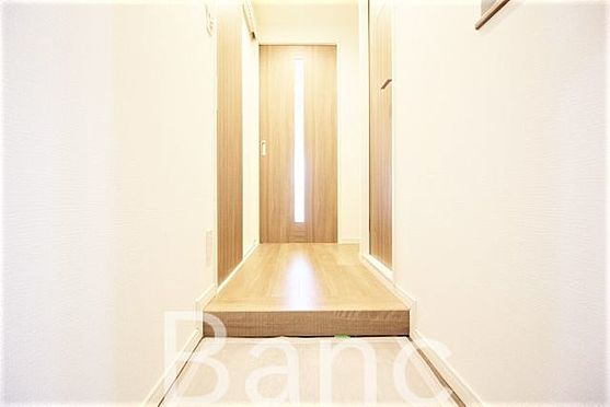 中古マンション-新宿区愛住町 玄関からの廊下