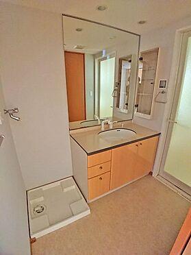中古マンション-伊東市八幡野 洗面・脱衣スペースも清潔感がございます。