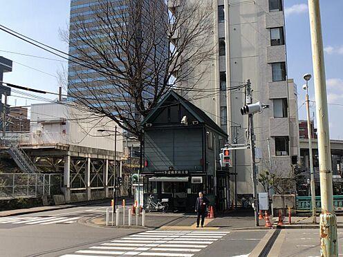 マンション(建物一部)-千代田区神田三崎町3丁目 最寄りのJR水道橋駅の西口には交番があり、夜道も安心。