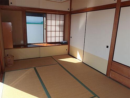 中古一戸建て-伊東市赤沢 【2階和室海側】 南東向きのお部屋で室内も明るいです