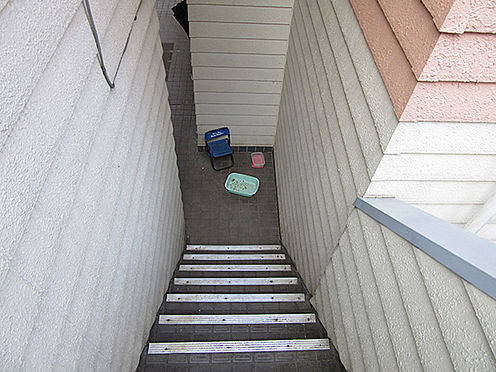 アパート-横浜市中区本牧町1丁目 階段