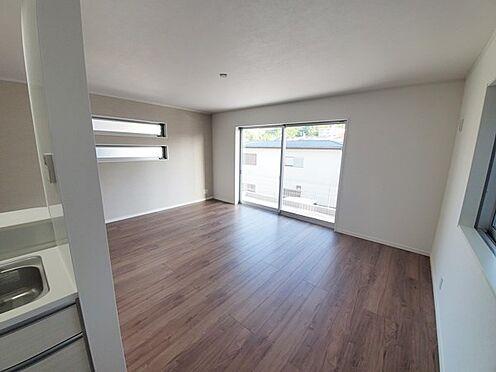 新築一戸建て-町田市金井7丁目 大きな家具もゆったり収まりそうな広さですね。くつろげる環境で自分だけのマイホーム空間を創造ください。