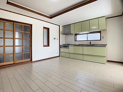 中古マンション-豊田市栄町6丁目 折り上げ天井を採用しています。部屋に奥行きが生まれ広々お使いいただけます!