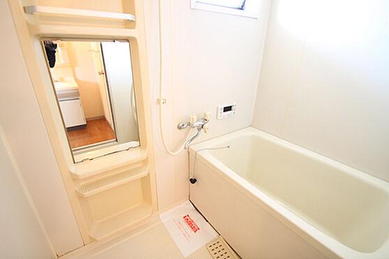 アパート-土浦市湖北1丁目 換気に便利な小窓。