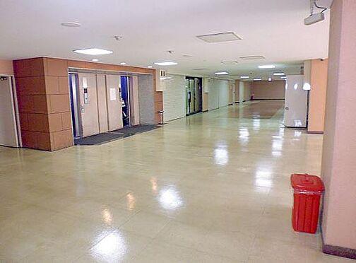 マンション(建物一部)-大阪市淀川区西宮原2丁目 エレベーターホールには防犯カメラがあるので安心です。