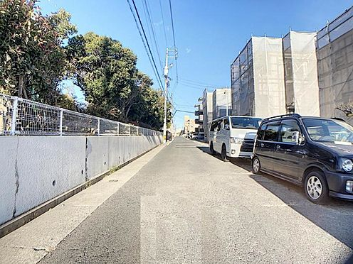 新築一戸建て-名古屋市天白区菅田1丁目 前面道路。奥に立っているのでプライバシーが守られます♪