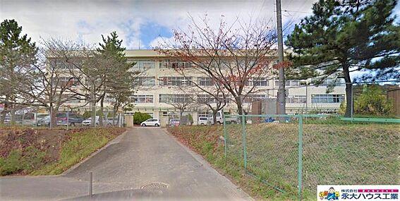 戸建賃貸-仙台市泉区向陽台4丁目 仙台市立向陽台中学校 約800m