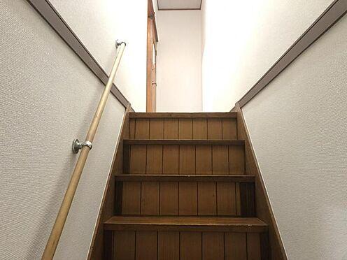 中古一戸建て-名古屋市名東区西里町1丁目 手すり付きの階段でお子様やご高齢の方も安心です。