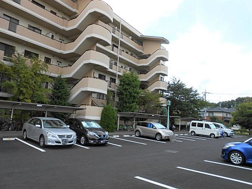 ビル(建物一部)-龍ケ崎市久保台4丁目 駐車場は建物エントランス前にございます。(占有区画あり)