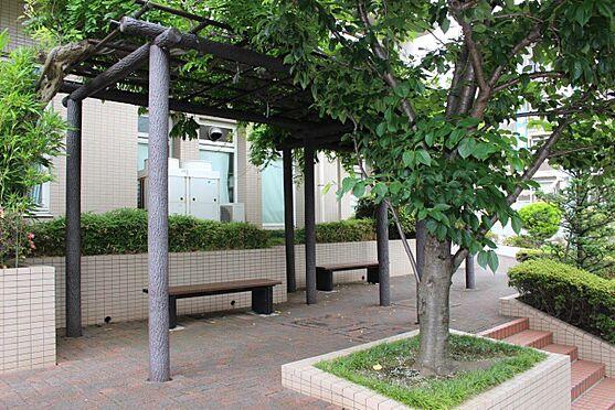 中古マンション-横浜市戸塚区汲沢町 公開空地のベンチ