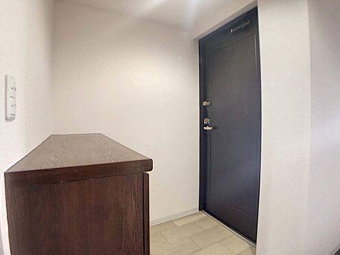 区分マンション-名古屋市西区鳥見町3丁目 玄関収納付きで綺麗な玄関でお客様をお迎えすることができます!