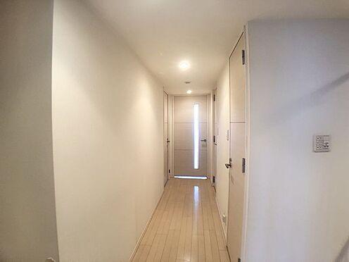 中古マンション-豊田市小坂本町5丁目 廊下があることでプライバシーが守られ、急な来客の際にも安心です