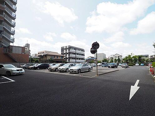 区分マンション-千葉市美浜区稲毛海岸4丁目 敷地内の駐車場です!