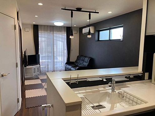 戸建賃貸-名古屋市港区港北町3丁目 軽量鉄骨造の地震に強いお家♪リビングは床暖房付きで寒い冬も快適に過ごせます!