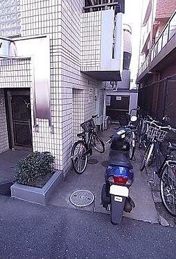 マンション(建物一部)-神戸市東灘区深江南町2丁目 バイクや自転車も置けるので、駅までの移動が楽々。